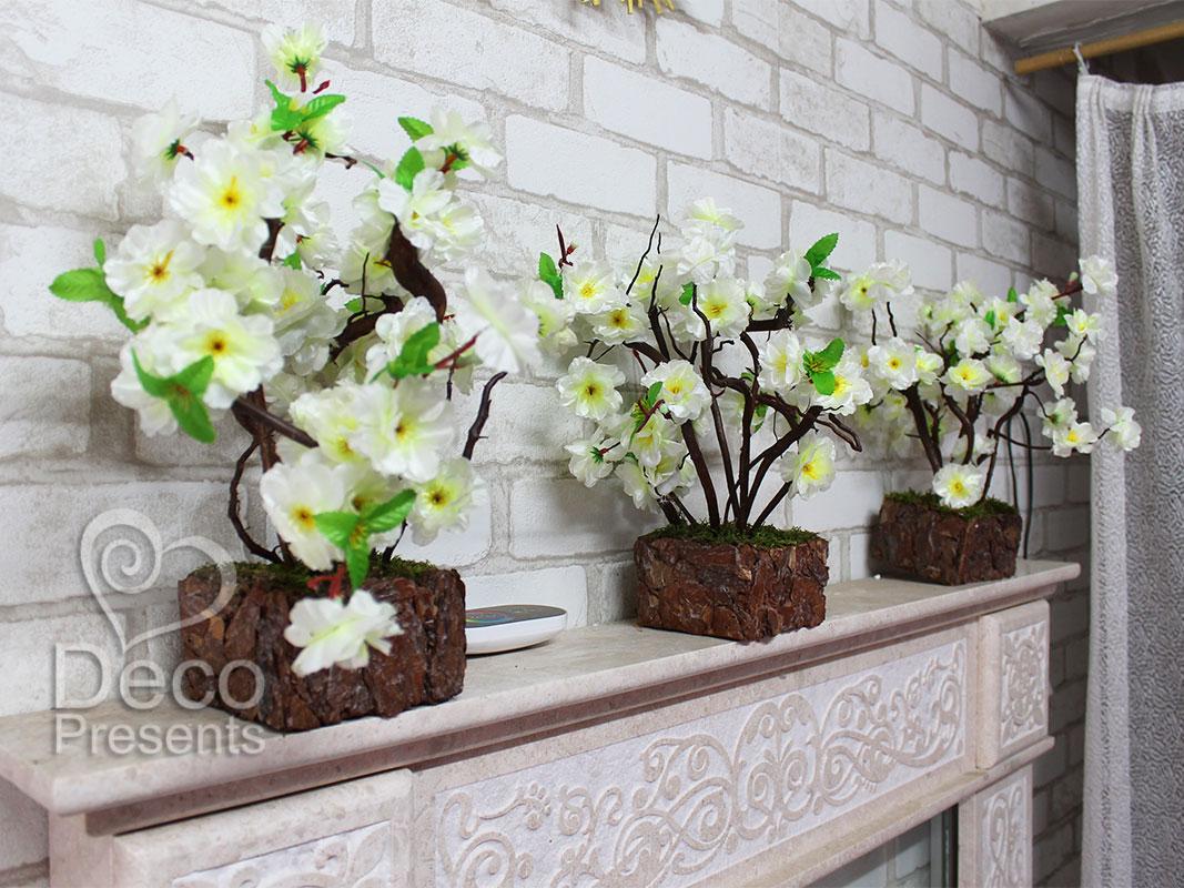 Дерево из искусственных цветов сакуры